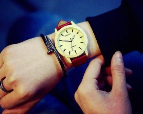 ウッドテイストウォッチ レッド 腕時計 メンズ レディース シンプル ギフト 人気 プレゼント 時計 おしゃれ 安い かわいい プチプラ ブレスレット