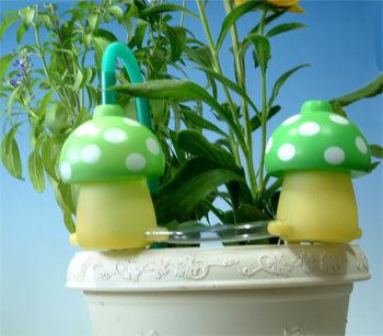 植木鉢自動水やり2個セット「給水きのこちゃん」