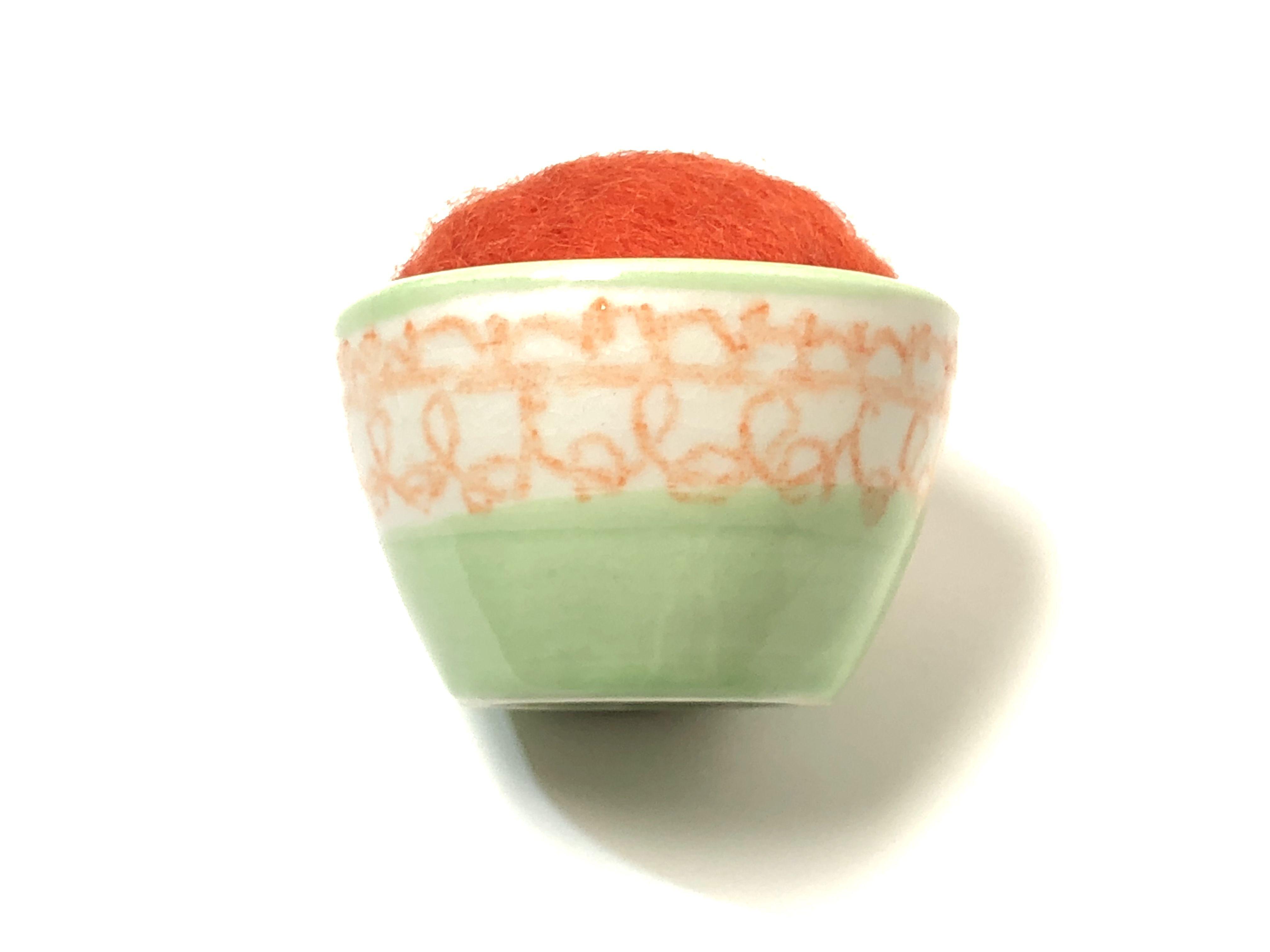 九谷焼お針山 ポップ  orange