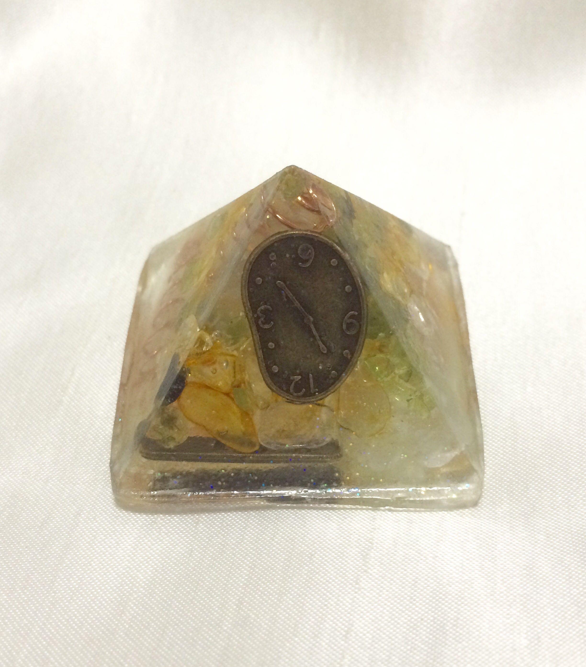 オルゴナイト【ピラミッド型】小