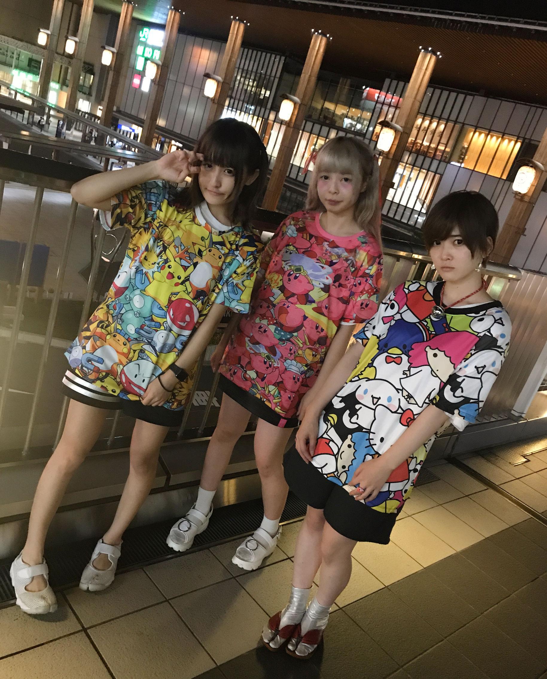キャラクター総柄BIGTシャツ/select