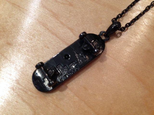 NIACオリジナルsk8ネックレス BLACK