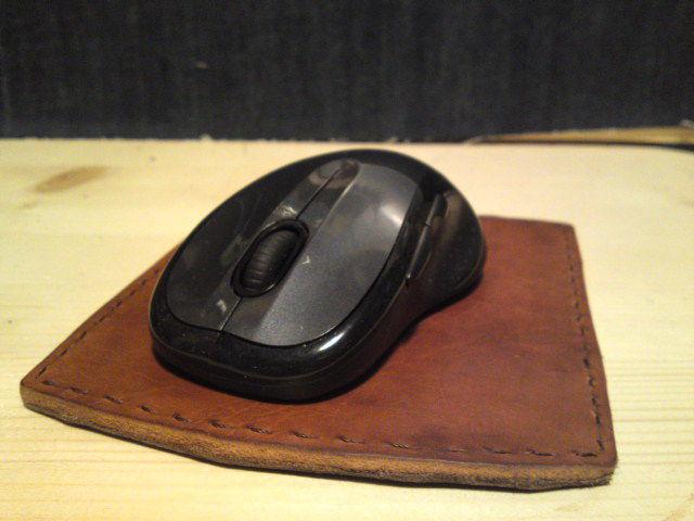 ヌメ革マウスパッド