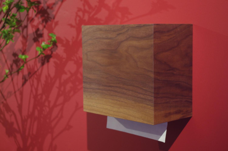 天然木のペーパータオルホルダー