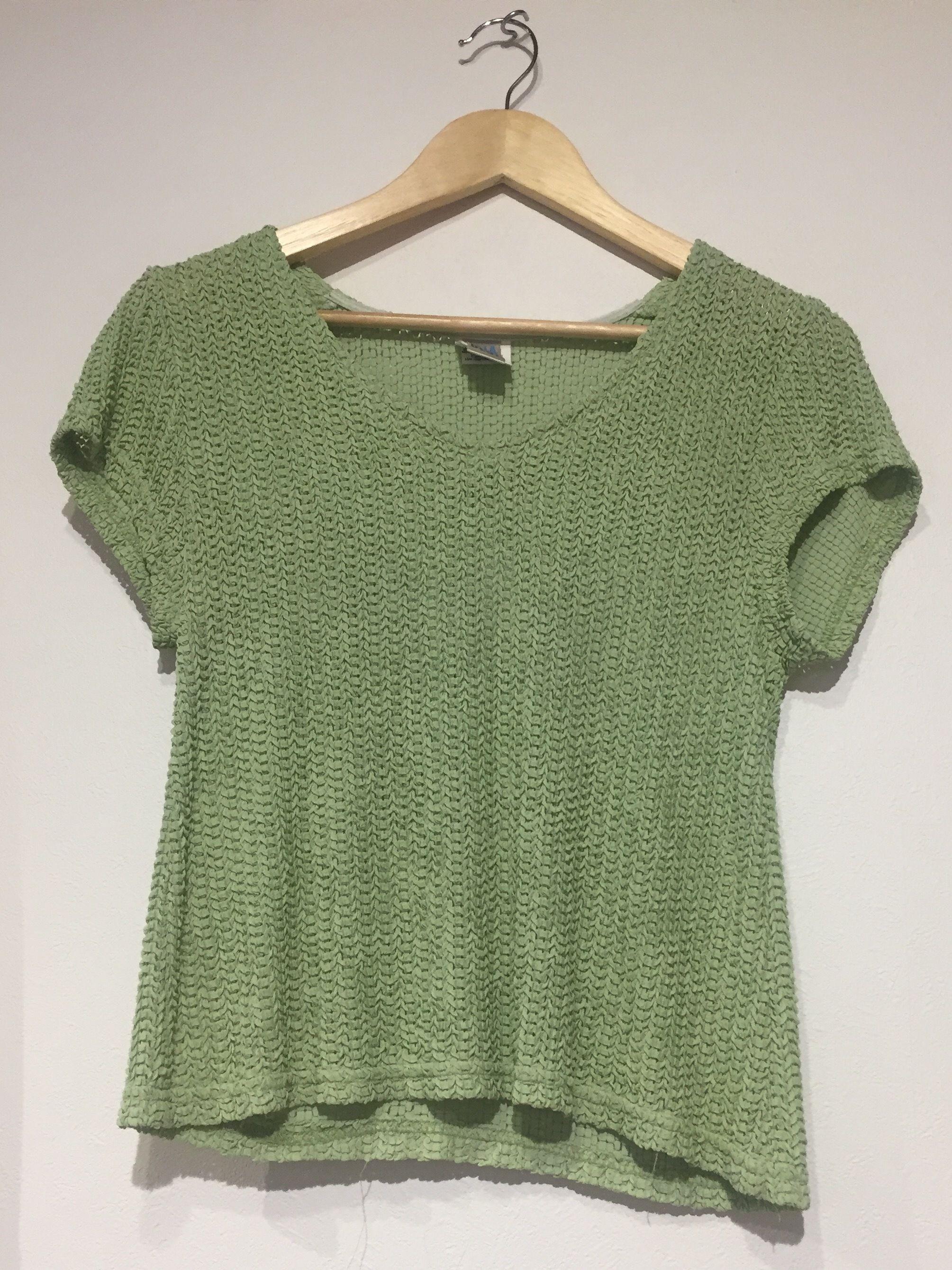 1990's made in USA v-neck light green