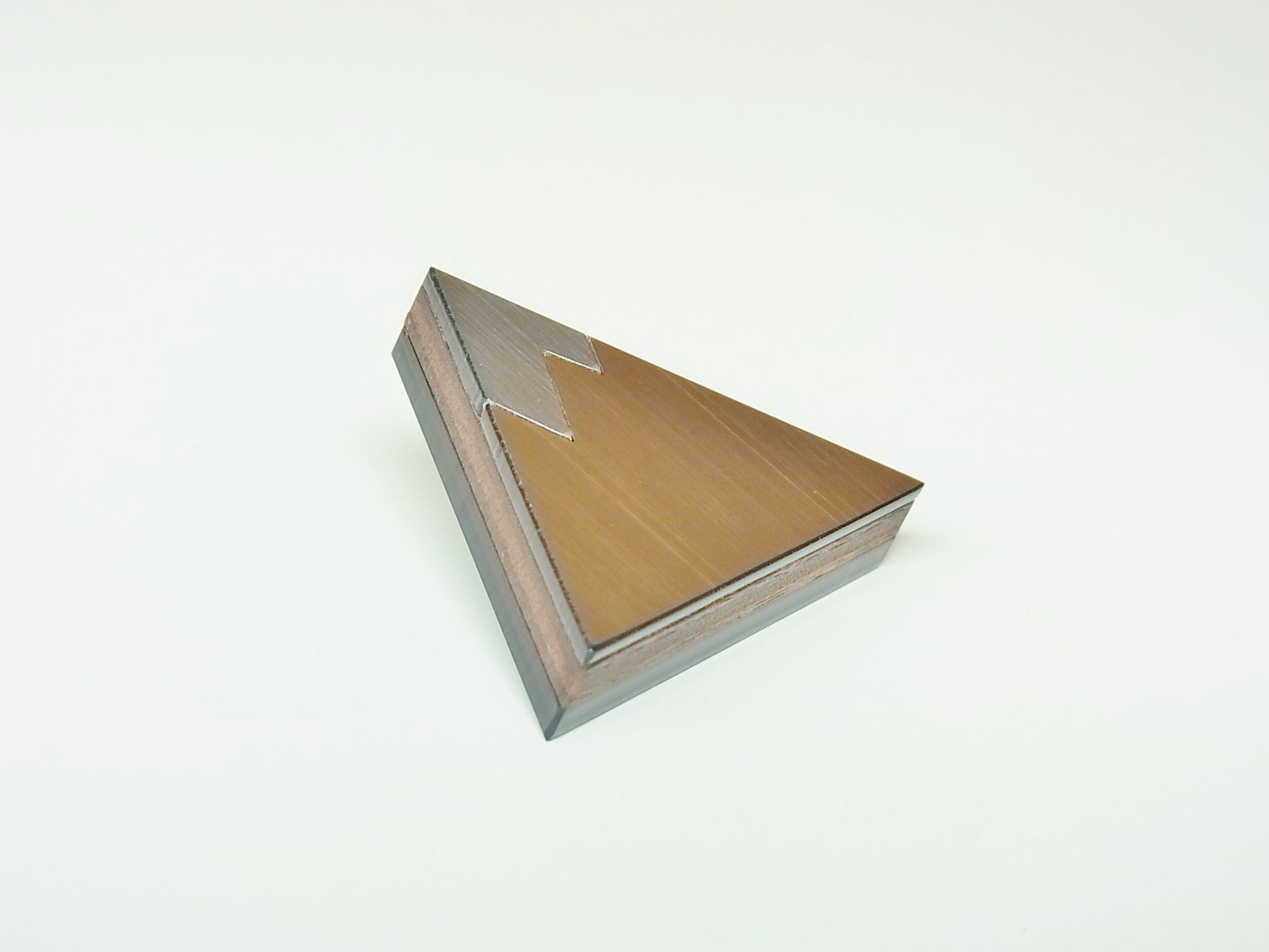 [再入荷] ラペルピン / OkiikO / no.8 FUJIYAMA (フジヤマ) /  シルバー & ゴールド