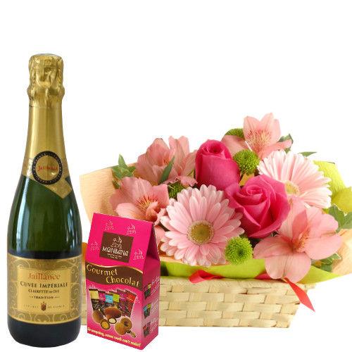 【ピンク色のお花のアレンジメント】 フランスのスパークリングワイン(375ml) チョコレートのギフトセット