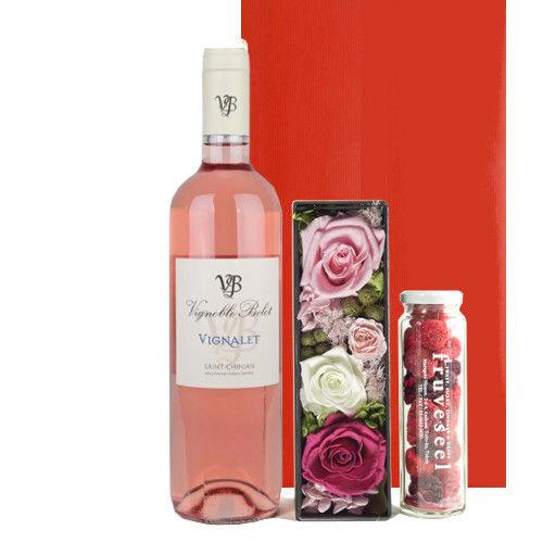 可愛いピンクの贈り物 南フランスのロゼワイン、フリーズドライミックスベリーとバラのプリザーブドフラワーボックスのセットギフト