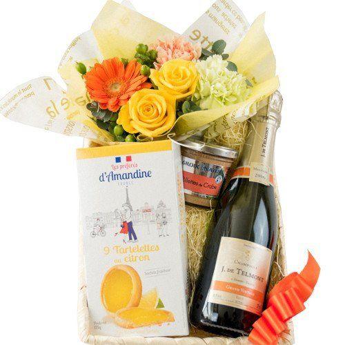 詰め合わせギフト 生花 フラワーアレンジメント シャンパン 375ml レモン味 タルトクッキー 帆立貝柱のリエット  バスケット入り お祝い 敬老の日