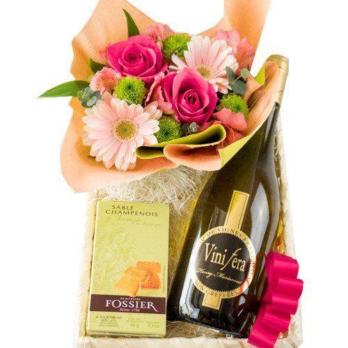 生花 フラワーアレンジメント、フランスのクッキーと オーガニック 白ワインのギフトセット ピンクバラ スイーツ シャンパンサブレ