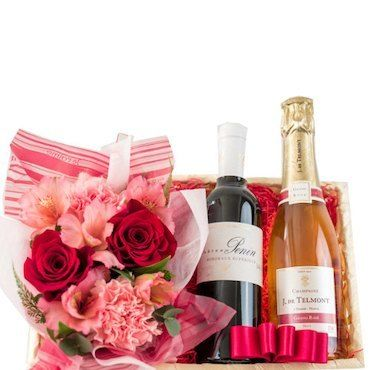 母の日のお花アレンジとワインの詰め合わせギフト バラとカーネーションのフラワーアレンジメント ロゼシャンパンと赤ワイン 2本飲み比べ