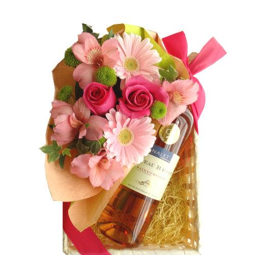 フラワーギフト ロゼワインとお花のギフト 南フランス サン・シニアンのロゼワインとフレッシュなピンク色のフラワーアレンジメント