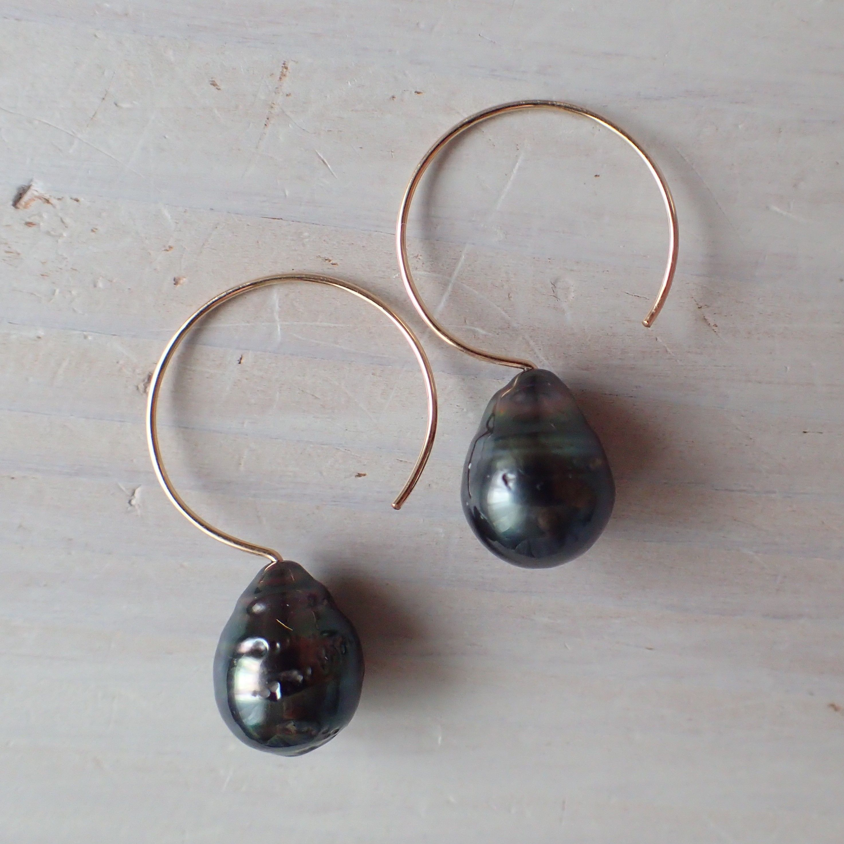 K14GF tahitian pearl design hook pierce