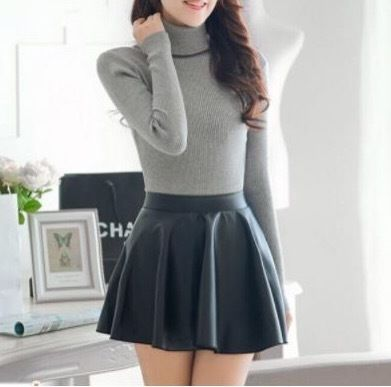 fake leather pleats miniskirt