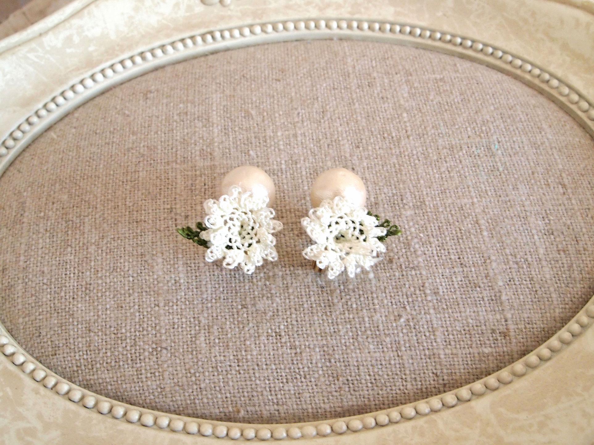pearl flower Earrings white flower