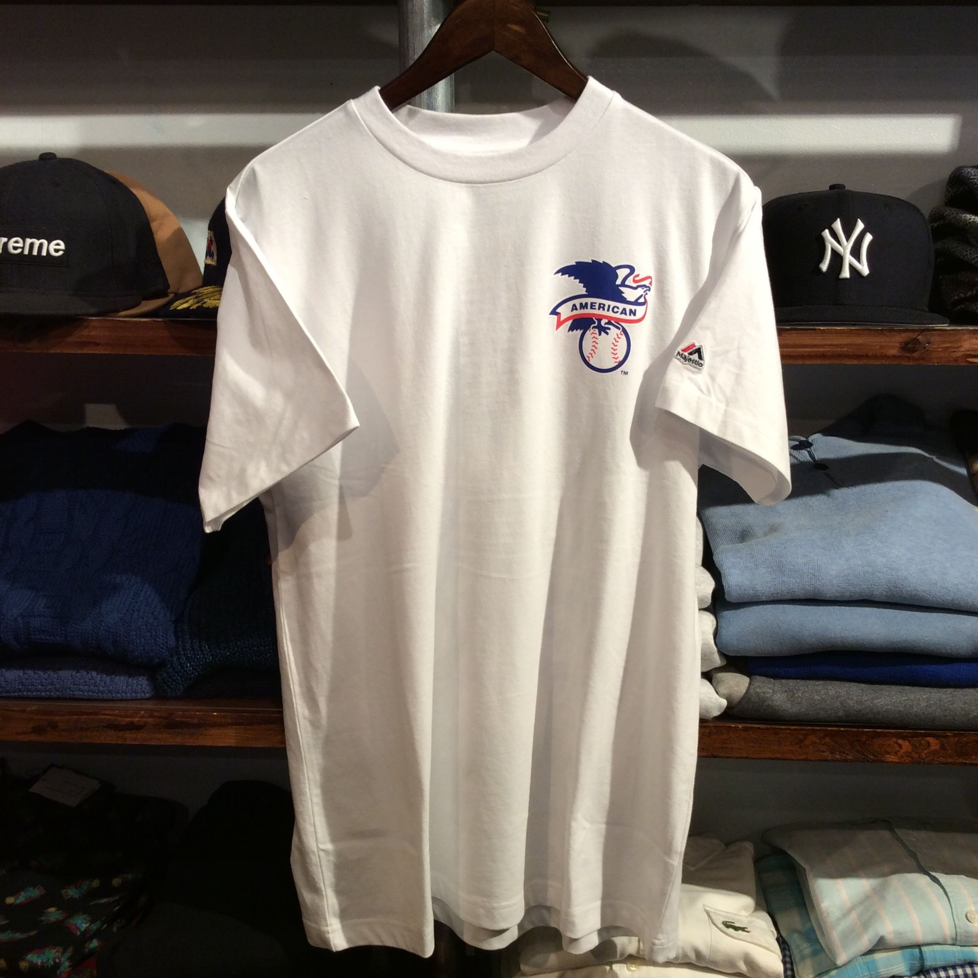 "Majestic ""BACK TEAM logo"" tee (White)"