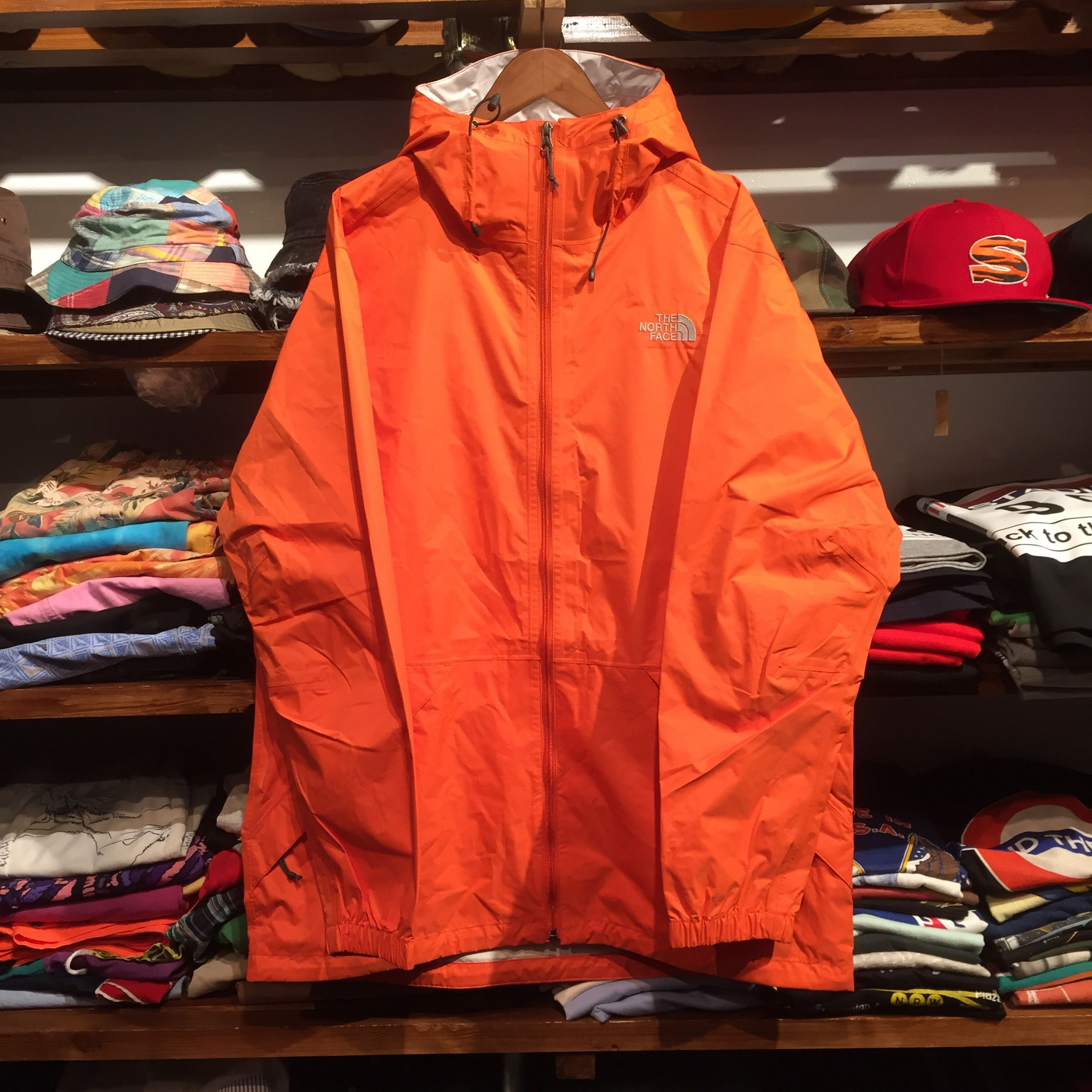 THE NORTH FACE HYVENT BAKOSSI JACKET/MENS(ORANGERINE)