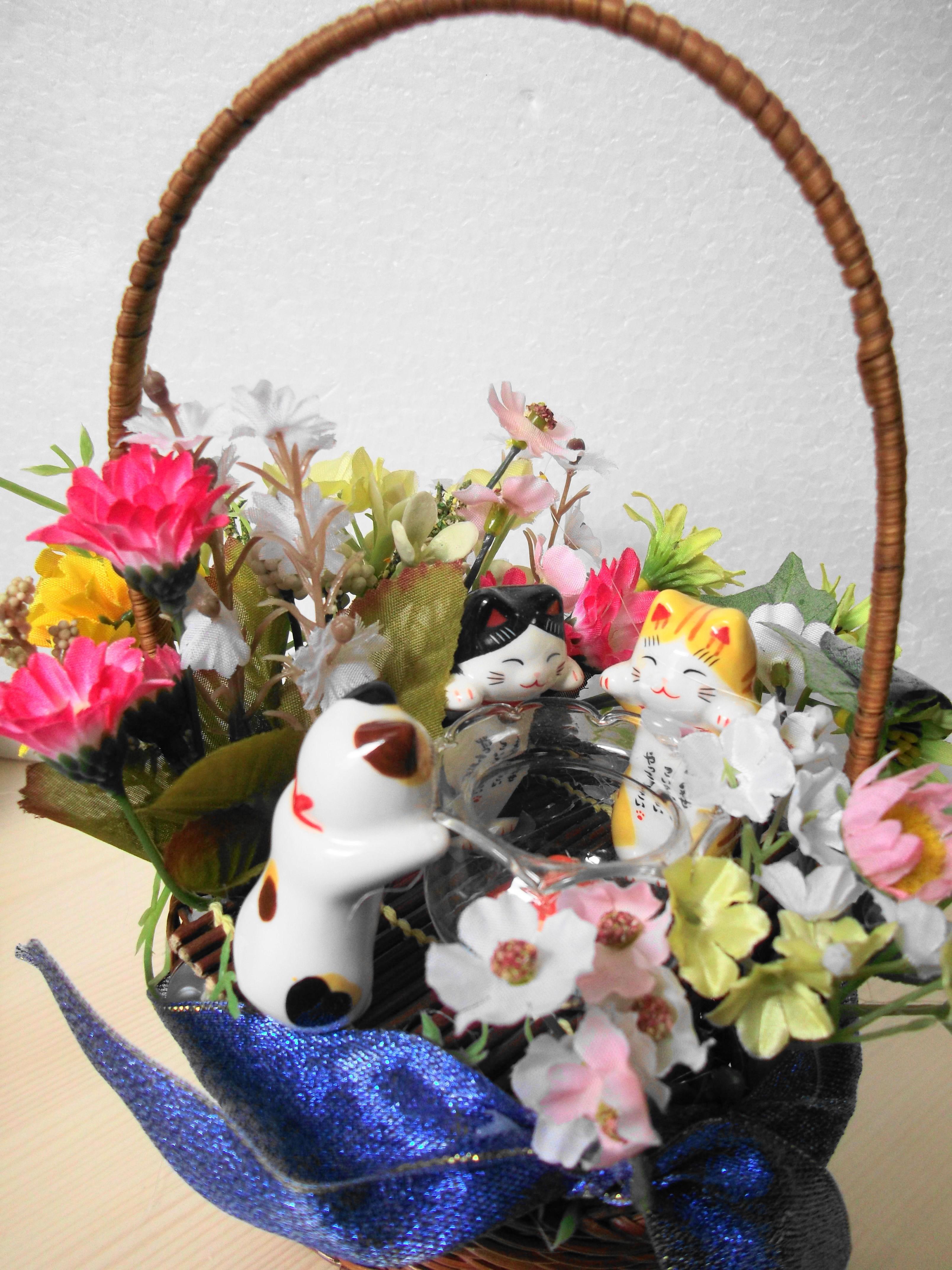 仔猫と金魚鉢(A34)