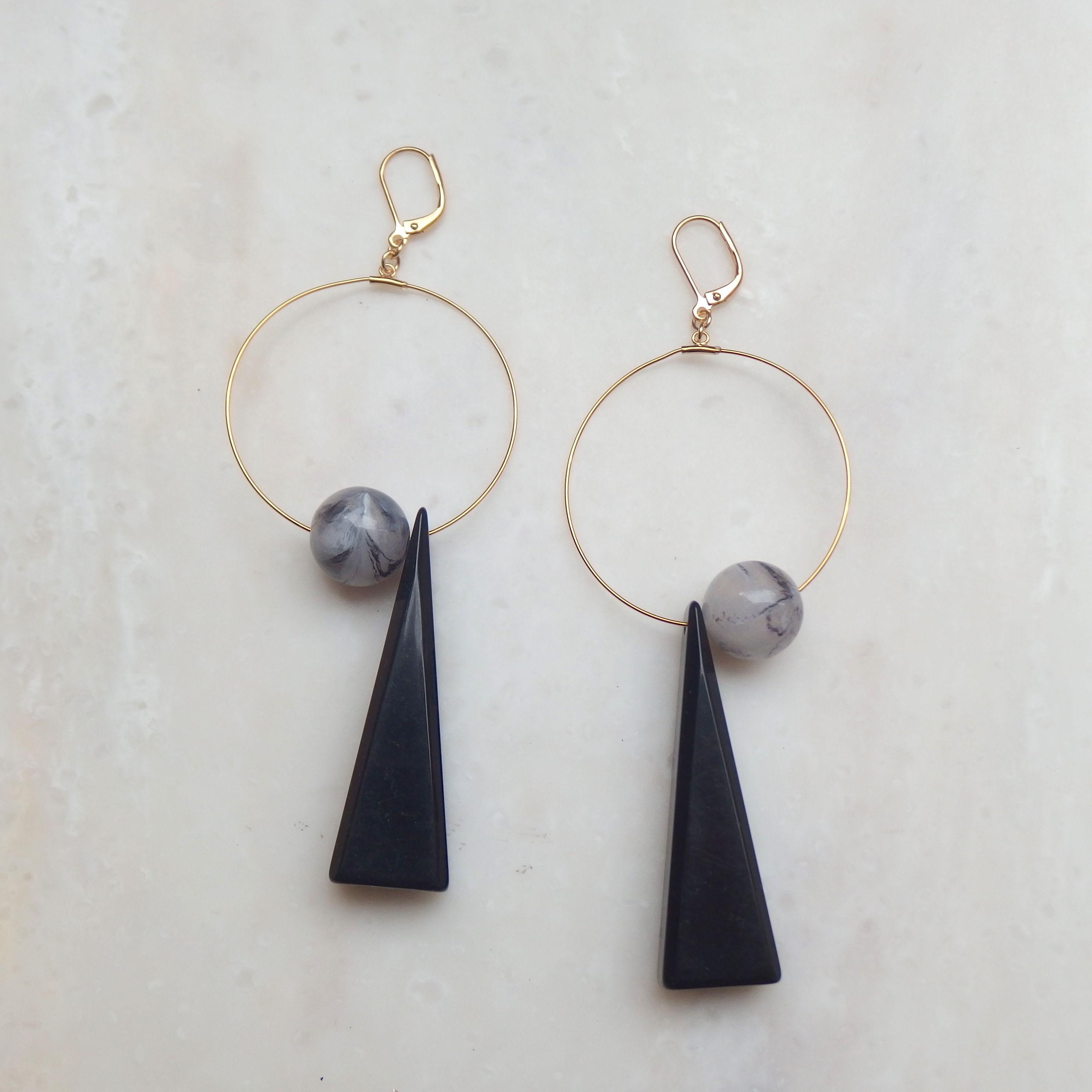 Triangle Swing Pierce -Black*Marble- (イヤリング/チタンピアス変更可能)