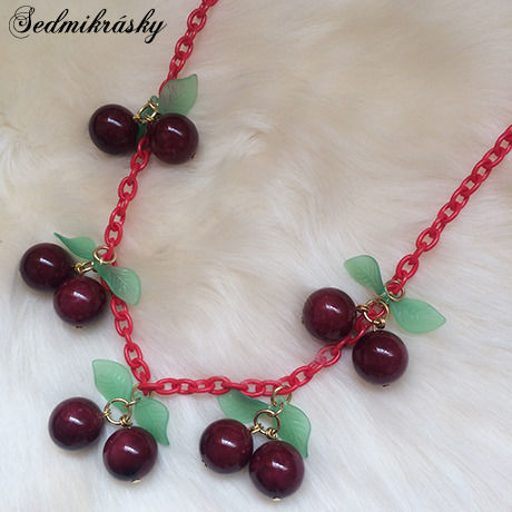 Cherry Necklace / Red
