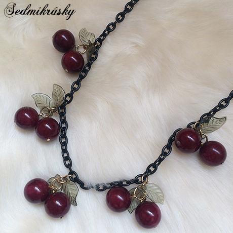 Cherry Necklace / Black