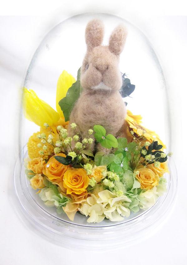 【プリザーブドフラワー/オルゴールアレン】ドームの宇宙に咲く黄色いお花とウサギさんからの伝えたい幸せな物語