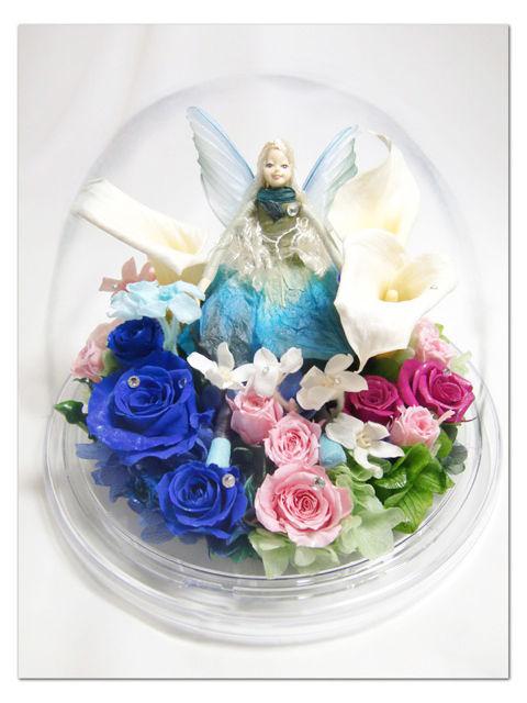 【プリザーブドフラワー/オルゴールアレンジ】優しく微笑む妖精とたくさんの花たちとオルゴールが奏でるやさしい音色