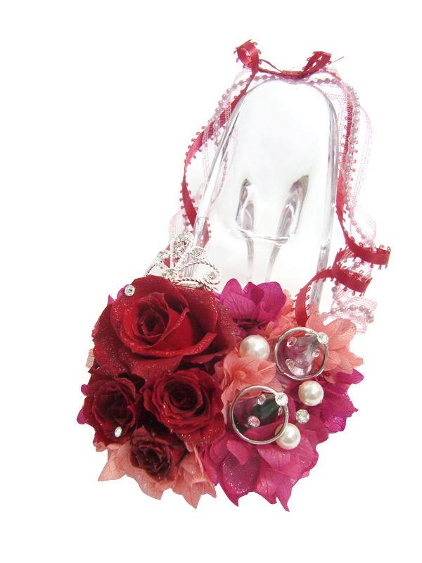 【プリザーブドフラワー/ガラスの靴リングピロー】情熱の赤い薔薇とティアラに永遠の輝きを添えて