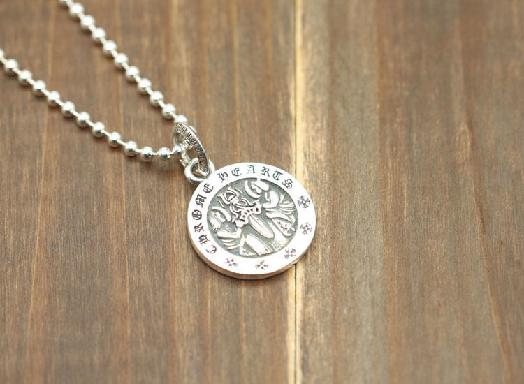 人気美品 CHROME HEARTS クロムハーツ チャーム シルバーペンダント 綺麗な刻印あるコイン 男女兼用