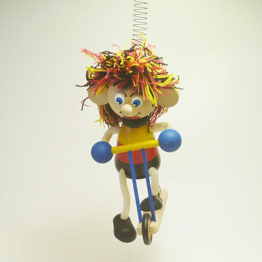チェコのおすわり人形  スクーターバイク  サッカー少年