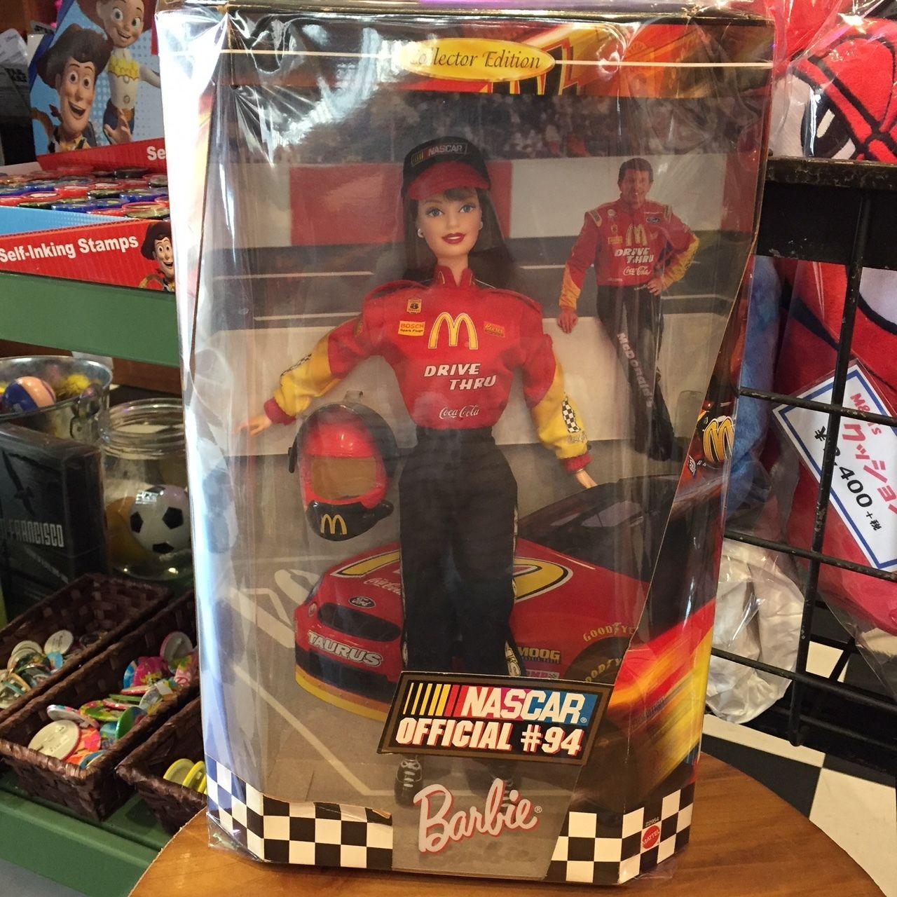 Barbie NASCAR Official #94 (マクドナルドのレーシングスーツ姿のバービー)
