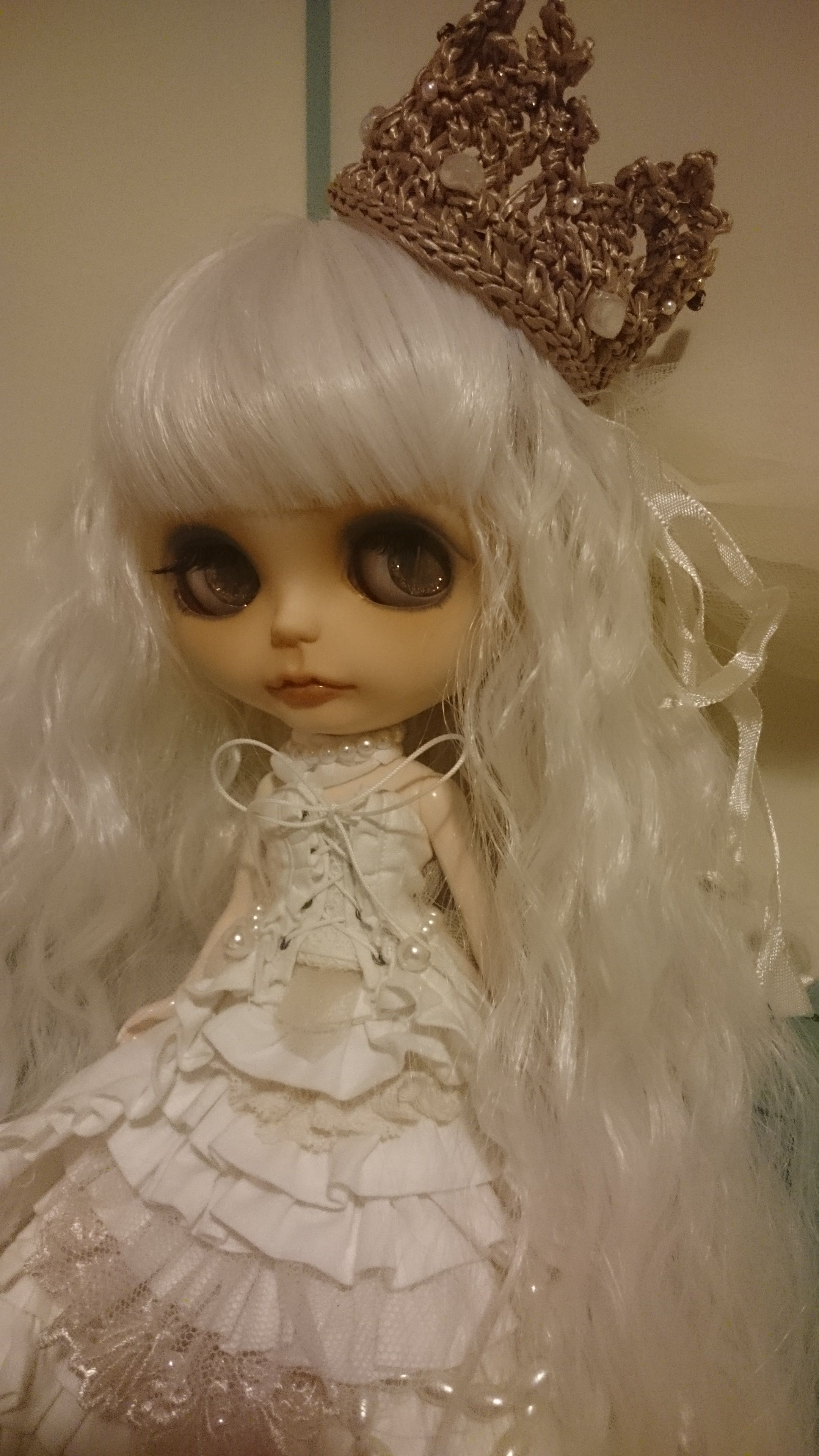 CustomBlythe white queen