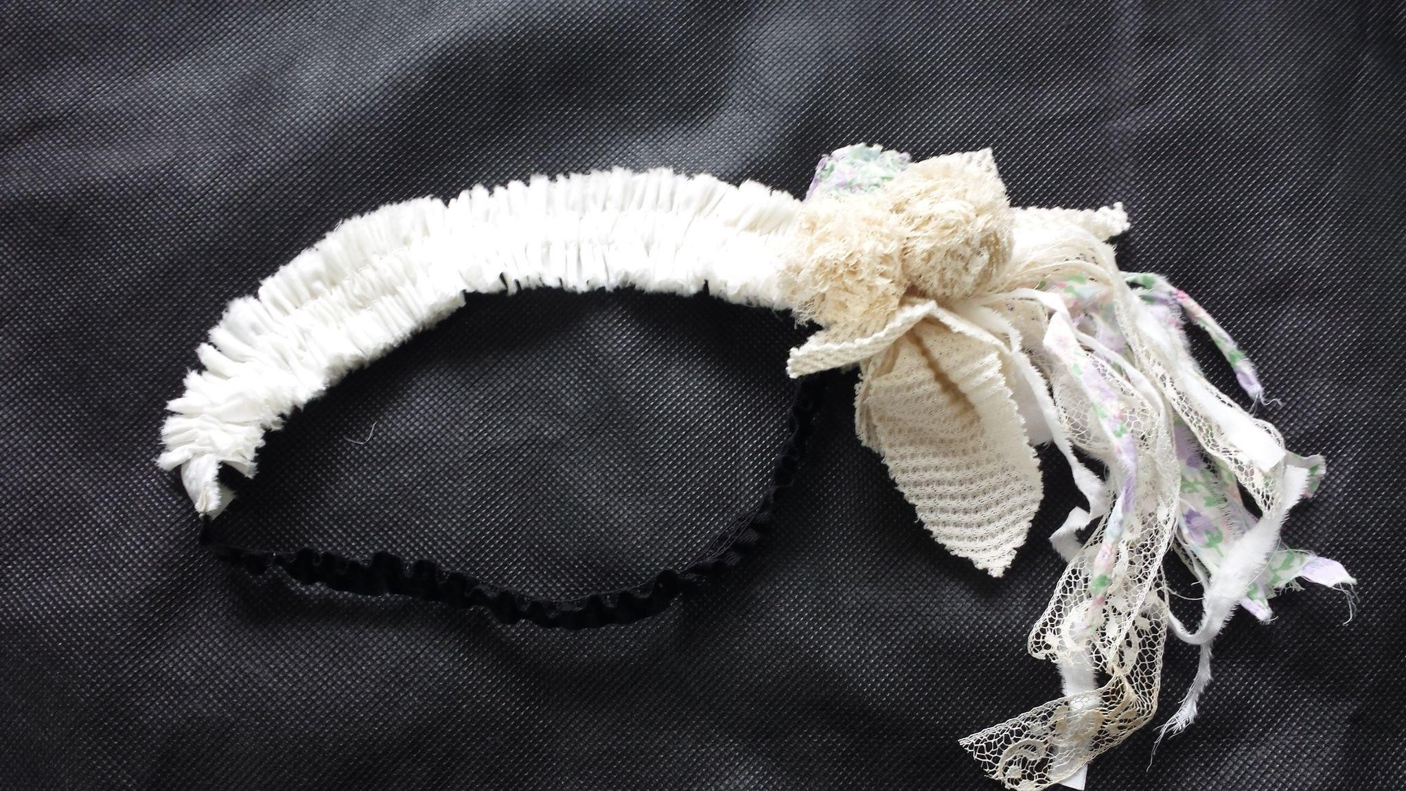 ボンボンレースヘアバンド(ホワイト)