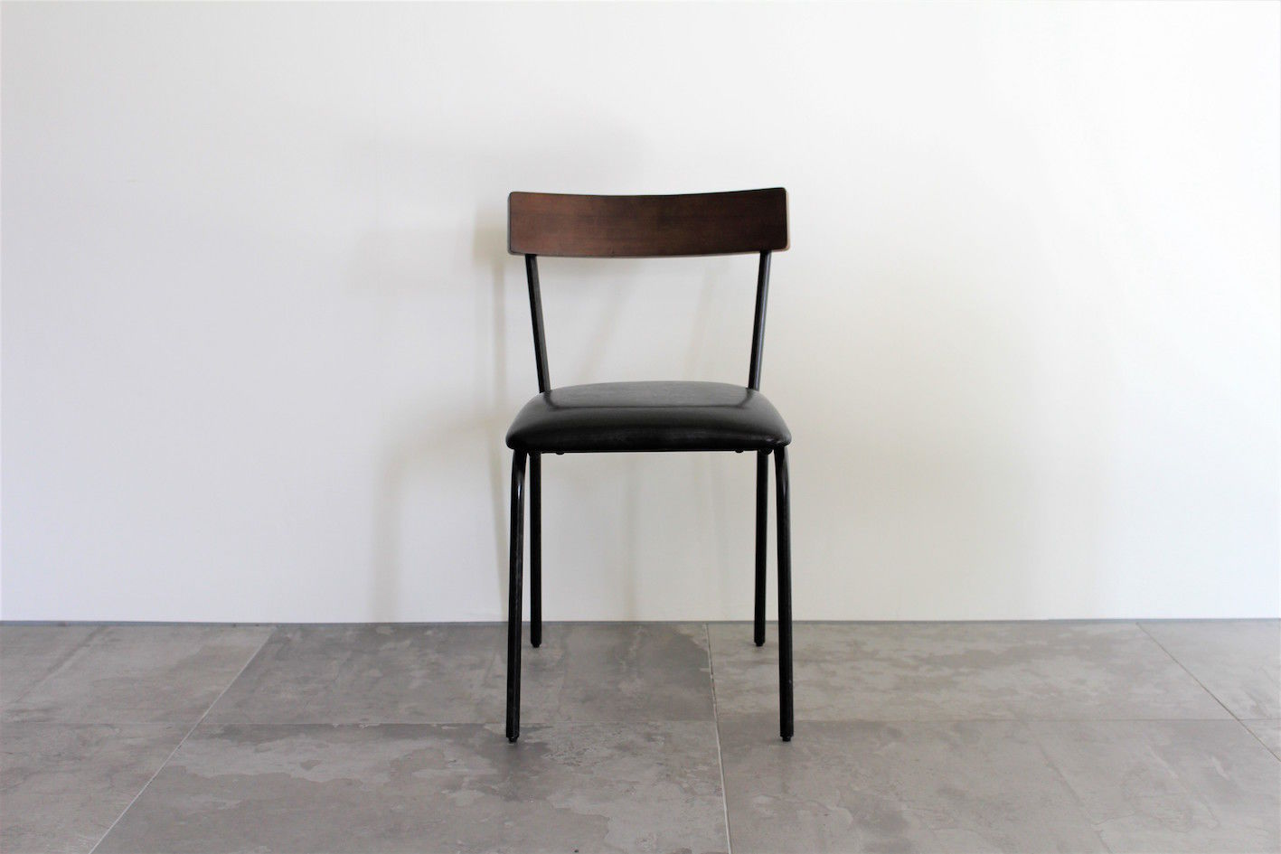 SIMBASU CHAIR WALNUT