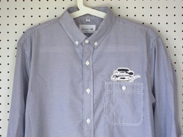 横伸びミッキーマウス【La Magie】パロディーワッペン×ストライプシャツ/ブルー/ボタンダウンシャツワッペン付きシャツパロディーシャツ水色青