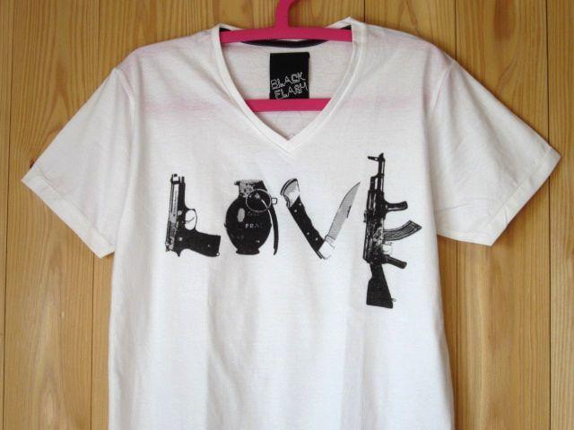 だまし絵Tシャツ 武器でLOVE Vネック パロディTシャツ SML白/ラブアンドピース反戦メッセージ平和新品