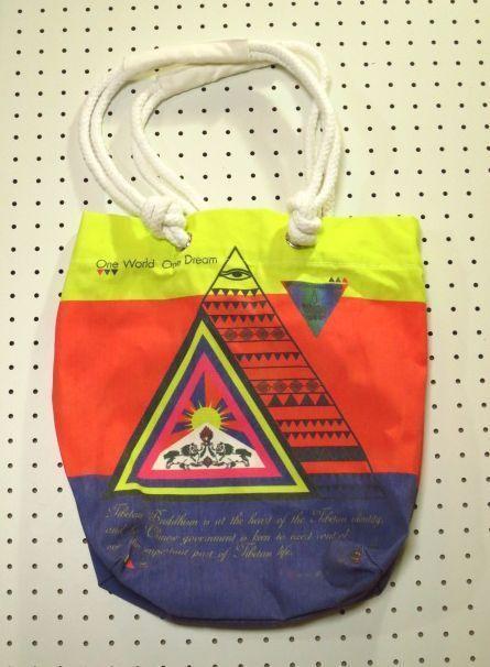チベット国旗柄トートバッグ【Cliff】カラフルデザインバッグ/free tibet