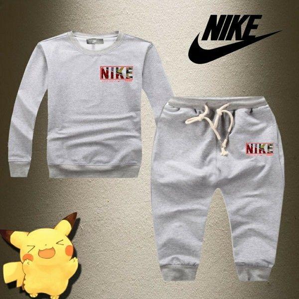 新品 新入荷 ナイキ Nike セットアップ 子供 上下セット 大人気 キッズ用 美品 春 春物 春冬 4色  グレー