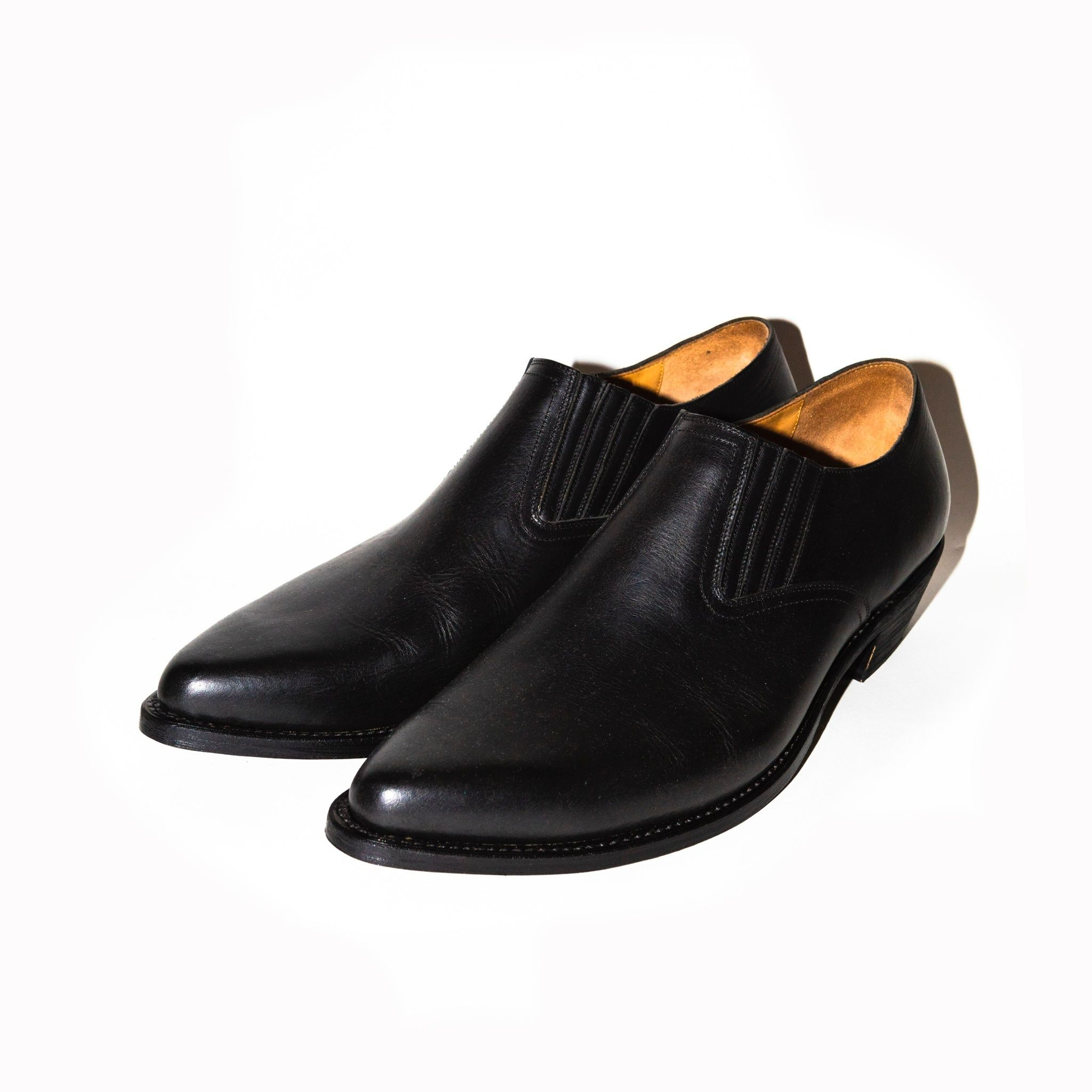 Western Pointed Sidegore Shoes. -Cow Hide-