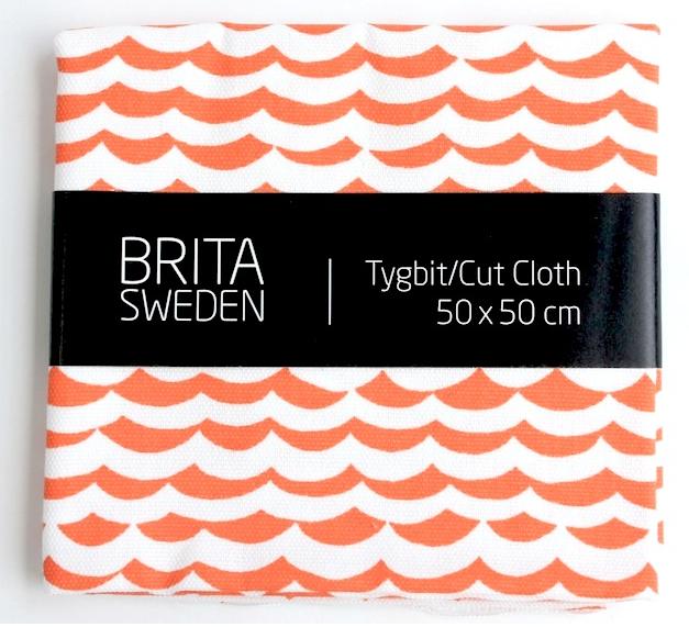 BRITA SWEDEN(ブリタ スウェーデン) カットクロス(50cm X 50cm) 《Overseas 波プリント オレンジ》