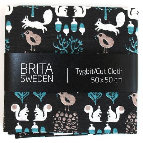 BRITA SWEDEN(ブリタ スウェーデン) カットクロス(50cm X 50cm) 《Sigrid りすプリント ブラック》