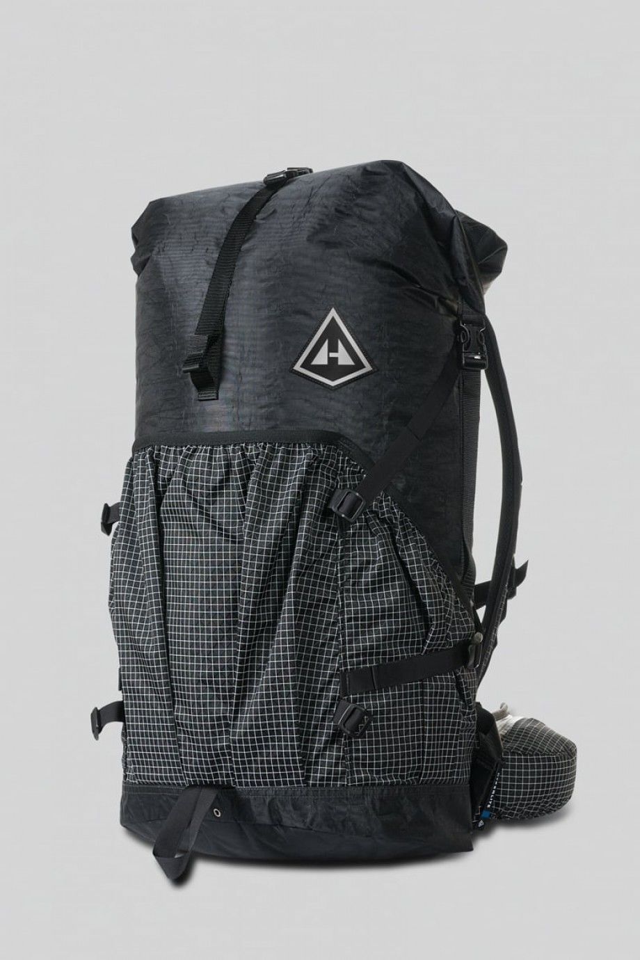 HYPERLITE MOUNTAIN GEAR / 2400 SOUTHWEST  BLACK