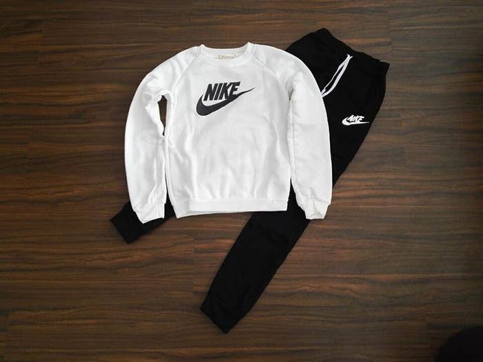 新入荷 大人気 ナイキ Nike セットアップ 上下セット セット 人気セット レディース  新品 人気 3色