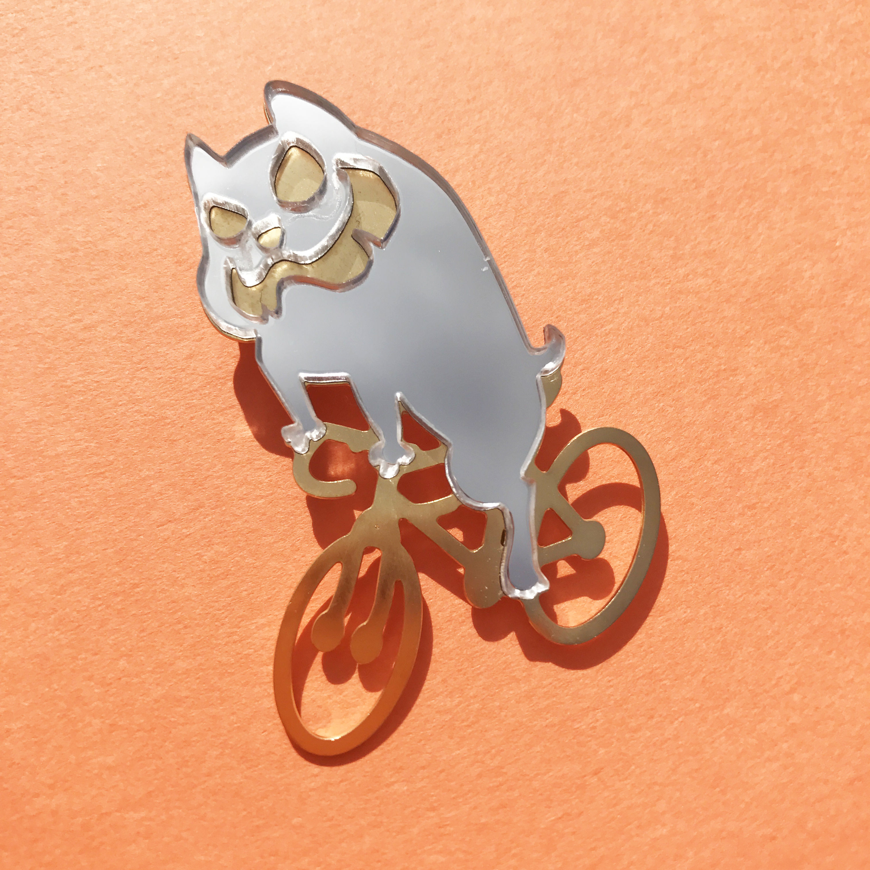 Reflector brooch  Skid bull -Silver & Gold-