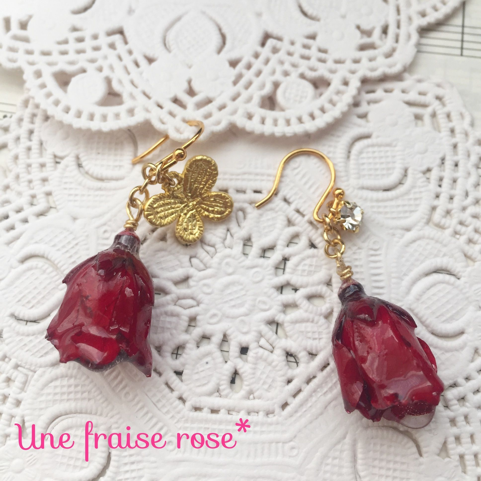 薔薇と蝶々のピアス