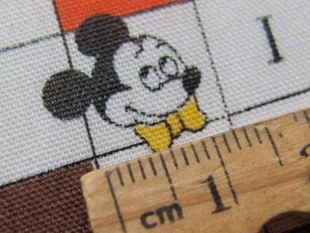 #102 レトロなミッキーマウスとミニーのクロスワード柄