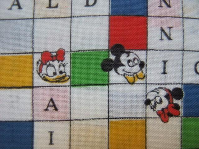 #103 レトロなミッキーマウスとミニーのクロスワード柄