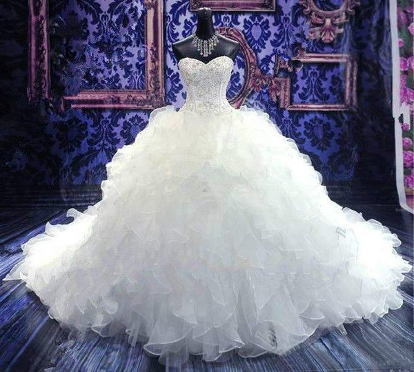 ウェディングドレス 2017年最新 プリンセスライン