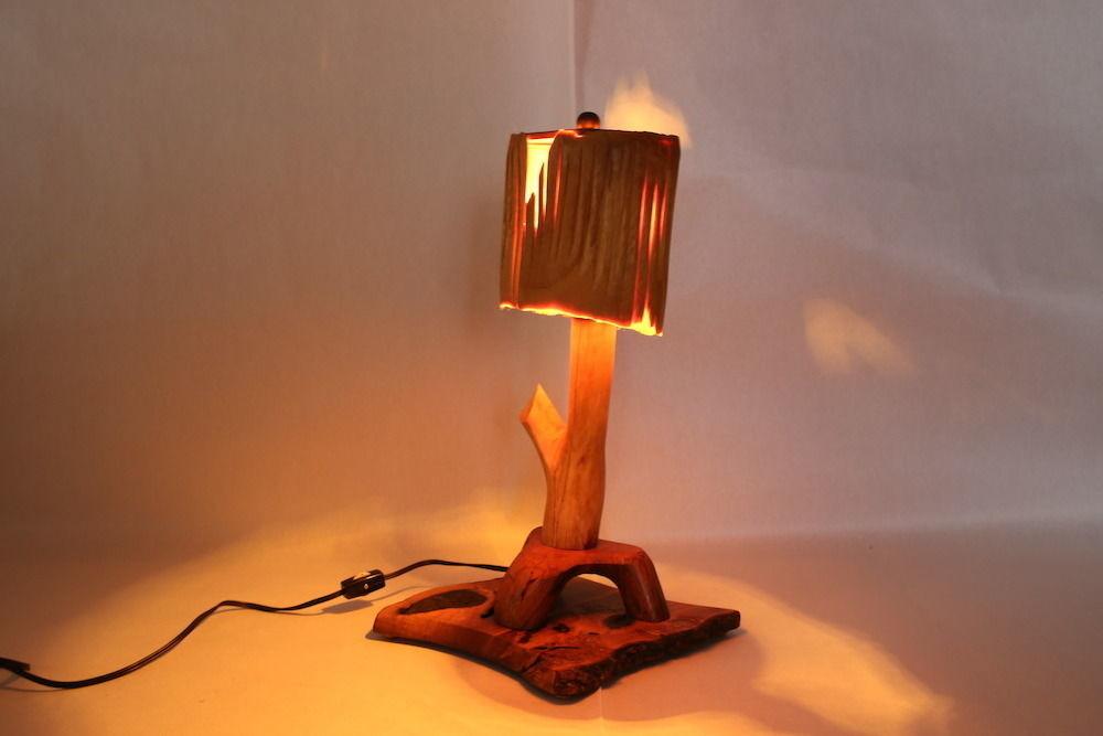【照明】カキ・ケヤキ製:薄い木製の傘に、小さなライトが魅力