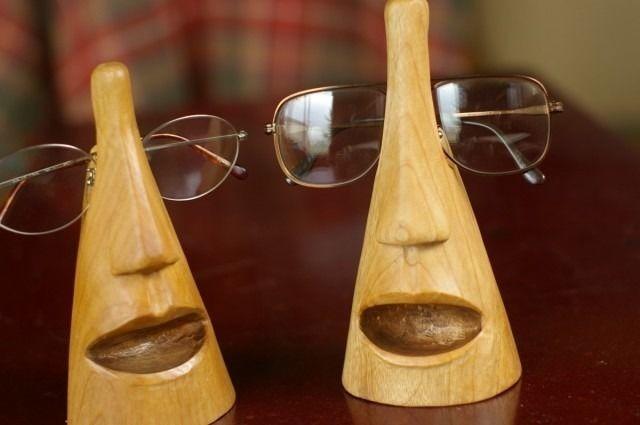 木彫りメガネスタンド